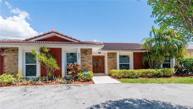 2031 NE 214th St, Miami, FL 33179 (MLS #A11035725) :: The Rose Harris Group