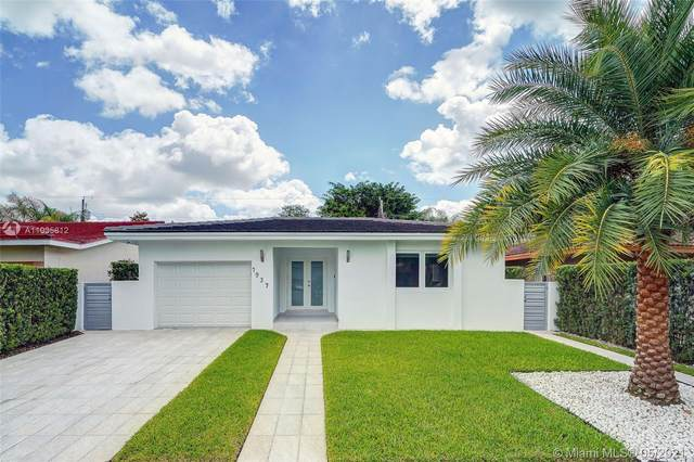 1937 SW 57th Ave, Coral Gables, FL 33155 (MLS #A11035812) :: The Riley Smith Group