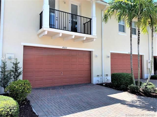 4522 Monarch Way, Coconut Creek, FL 33073 (MLS #A11035950) :: Prestige Realty Group