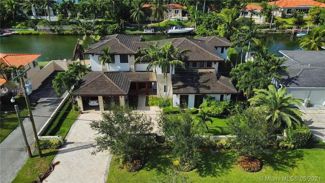 521 Vilabella Ave, Coral Gables, FL 33146 (MLS #A11036352) :: The Howland Group