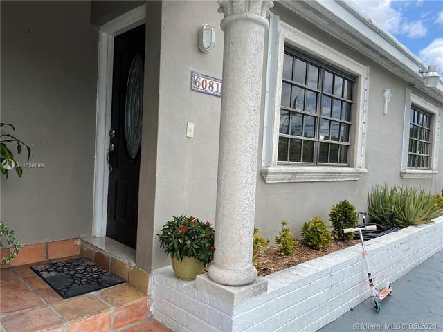 6081 SW 19th St, Miami, FL 33155 (MLS #A11036389) :: Green Realty Properties