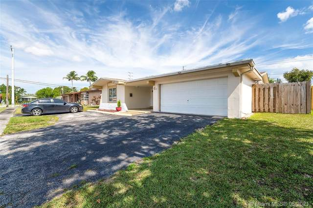 7377 NW 20th St, Sunrise, FL 33313 (MLS #A11036485) :: The Riley Smith Group