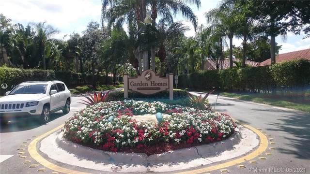 1350 Seagrape Cir, Weston, FL 33326 (MLS #A11036513) :: Search Broward Real Estate Team