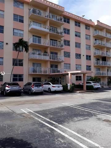 16465 NE 22nd Ave #504, North Miami Beach, FL 33160 (MLS #A11036621) :: The Rose Harris Group