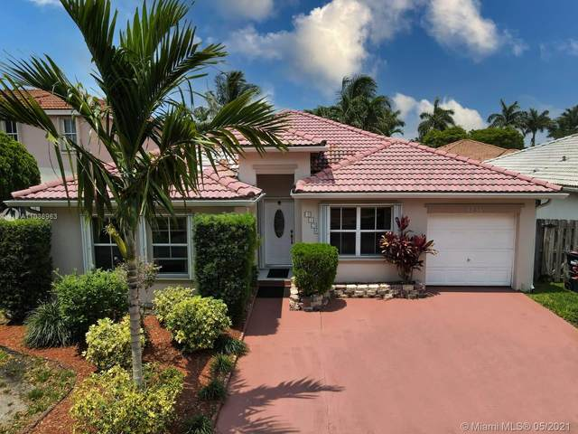 8136 SW 163rd Ct, Miami, FL 33193 (MLS #A11036963) :: The Rose Harris Group