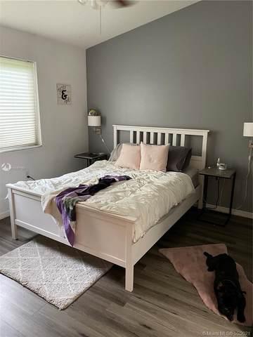 2251 NW 77th Way #202, Pembroke Pines, FL 33024 (MLS #A11037180) :: Green Realty Properties