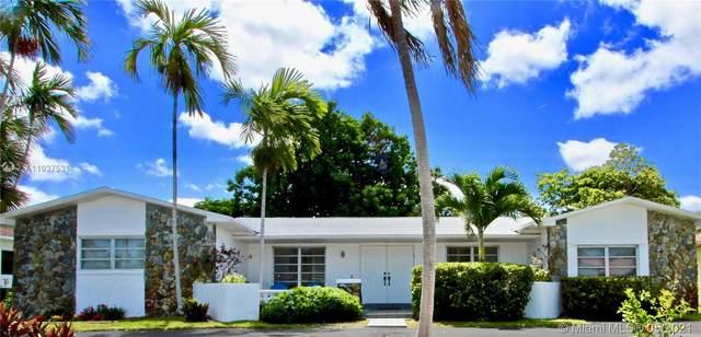 21230 NE 19th Ave, Miami, FL 33179 (MLS #A11037531) :: Team Citron