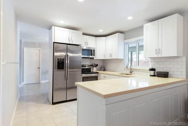 7701 NW 10th St, Plantation, FL 33322 (MLS #A11037539) :: Search Broward Real Estate Team