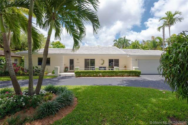4320 Palmarito St, Coral Gables, FL 33146 (MLS #A11037625) :: The Howland Group