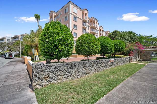 1 Alhambra Cir #204, Coral Gables, FL 33134 (MLS #A11037631) :: The Howland Group