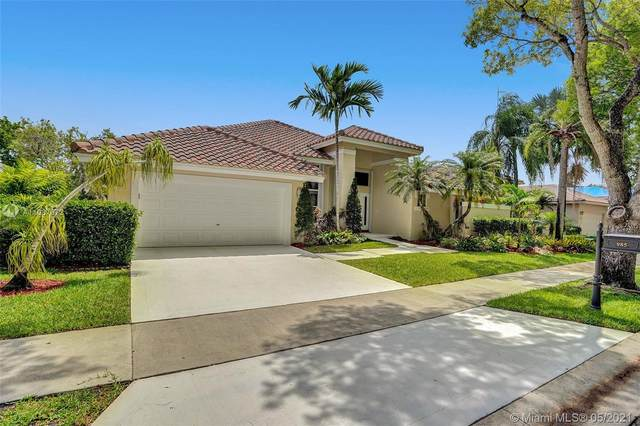985 Spoonbill Cir, Weston, FL 33326 (MLS #A11037672) :: Search Broward Real Estate Team