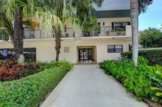 1250 Lincoln Rd #205, Miami Beach, FL 33139 (MLS #A11037688) :: The Howland Group