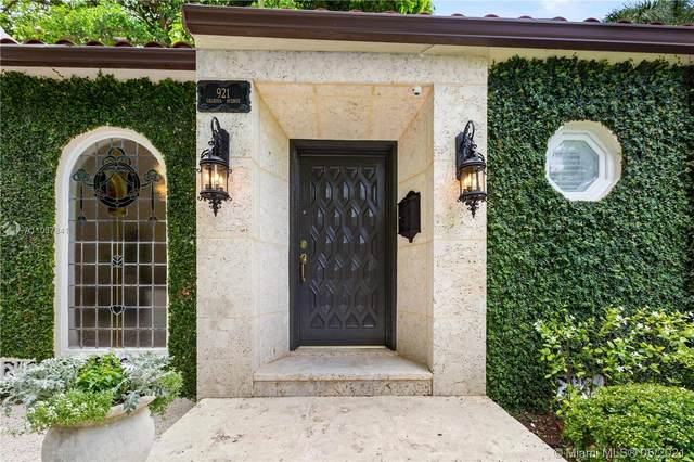 921 Calbira Ave, Coral Gables, FL 33134 (MLS #A11037841) :: The Riley Smith Group