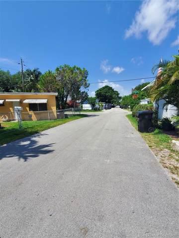2315 NE 136th St, North Miami Beach, FL 33181 (MLS #A11037967) :: The Teri Arbogast Team at Keller Williams Partners SW