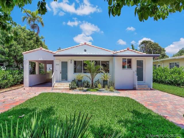 2183 Bay Dr, Miami Beach, FL 33141 (#A11037986) :: Posh Properties