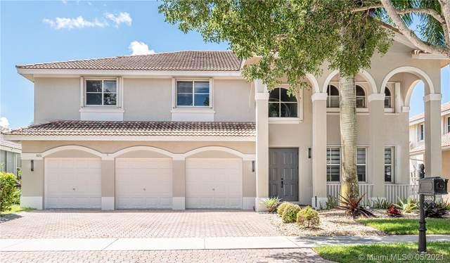 3890 Crestwood Cir, Weston, FL 33331 (MLS #A11038118) :: Green Realty Properties