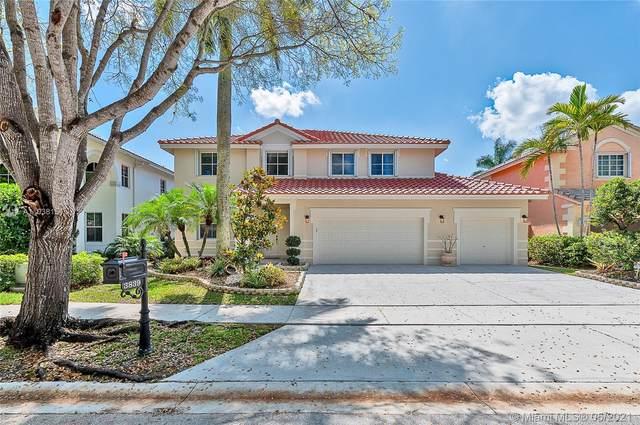 3839 Crestwood Cir, Weston, FL 33331 (MLS #A11038151) :: Search Broward Real Estate Team