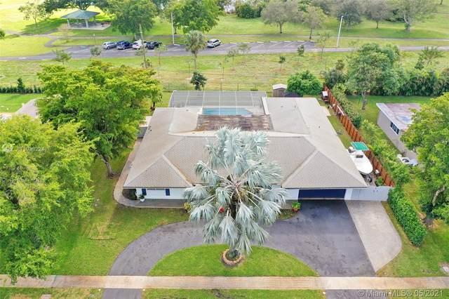 5760 SW 9th St, Plantation, FL 33317 (MLS #A11038224) :: Green Realty Properties