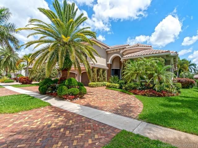 10231 Blue Palm St, Plantation, FL 33324 (MLS #A11038686) :: The Riley Smith Group