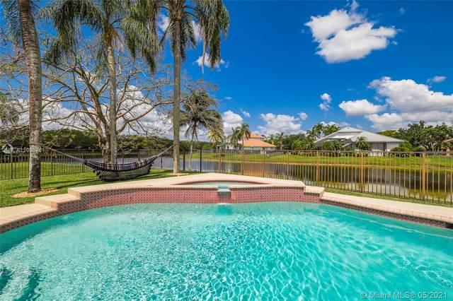 3275 Huntington, Weston, FL 33332 (MLS #A11038761) :: Green Realty Properties