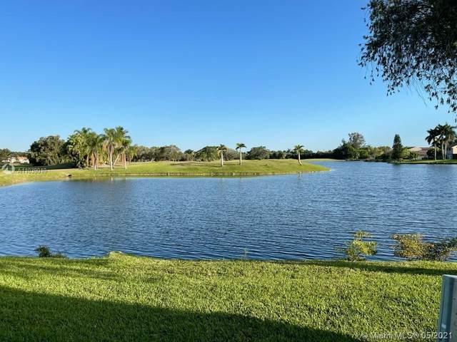 354 Patio Village Ter #354, Weston, FL 33326 (MLS #A11039010) :: Green Realty Properties