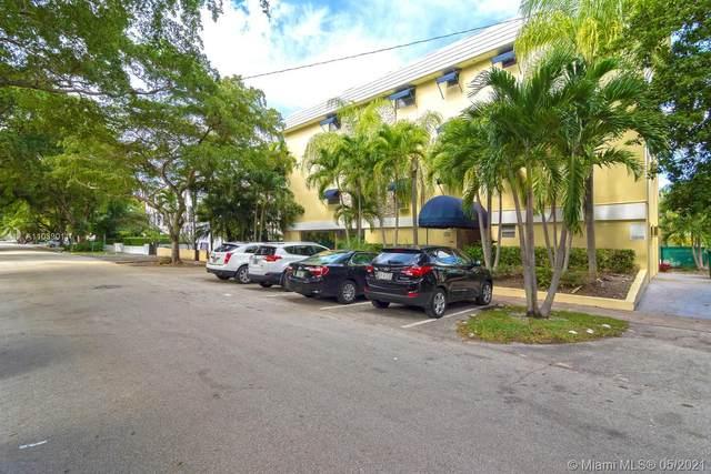 427 Santander Ave #302, Coral Gables, FL 33134 (MLS #A11039011) :: Dalton Wade Real Estate Group