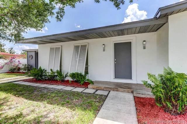 495 SE Airoso Boulevard, Port Saint Lucie, FL 34983 (MLS #A11039203) :: Berkshire Hathaway HomeServices EWM Realty