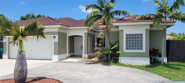 15323 SW 184th St, Miami, FL 33187 (MLS #A11039205) :: Team Citron