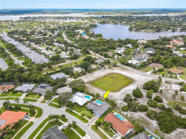 59 Hickory Hill Rd, Tequesta, FL 33469 (MLS #A11039447) :: Podium Realty Group Inc