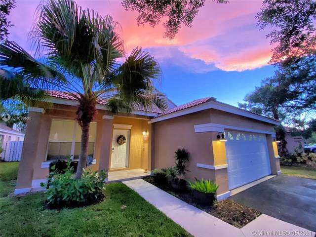 938 Falling Water Rd, Weston, FL 33326 (MLS #A11039535) :: Prestige Realty Group