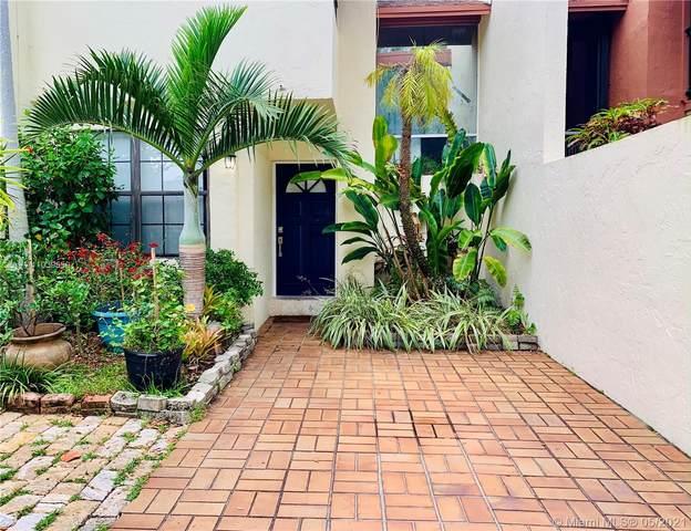 7761 SW 103rd Pl, Miami, FL 33173 (MLS #A11039559) :: Castelli Real Estate Services