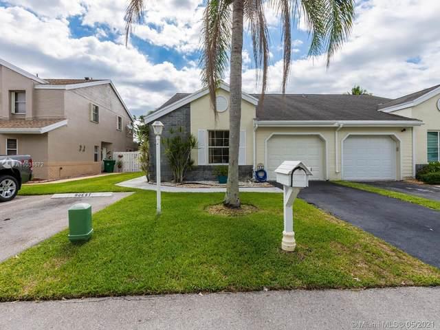 1100 SW 110th Ln, Davie, FL 33324 (MLS #A11039572) :: GK Realty Group LLC