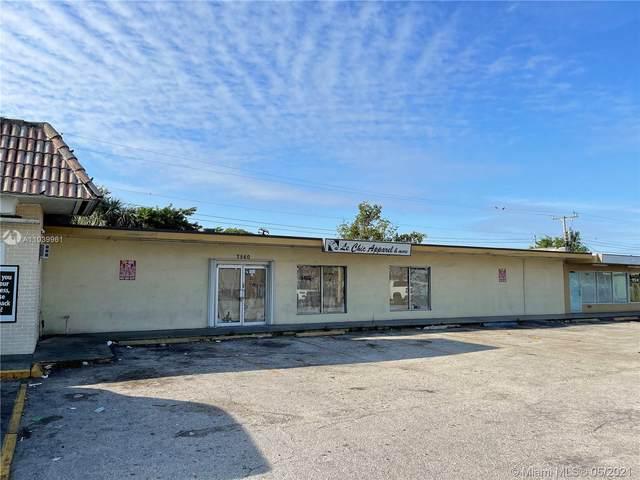 7560 Pembroke Rd, Miramar, FL 33023 (MLS #A11039961) :: Patty Accorto Team
