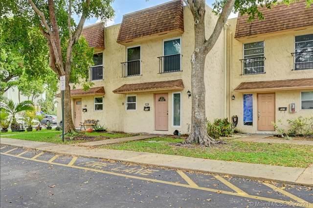 569 N Pine Island Rd #36, Plantation, FL 33324 (MLS #A11039989) :: Berkshire Hathaway HomeServices EWM Realty