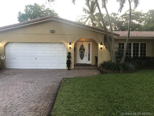 1101 SW 71st Ave, Plantation, FL 33317 (MLS #A11040035) :: The Riley Smith Group