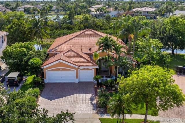 1560 NW 166th Ave, Pembroke Pines, FL 33028 (MLS #A11040526) :: Berkshire Hathaway HomeServices EWM Realty