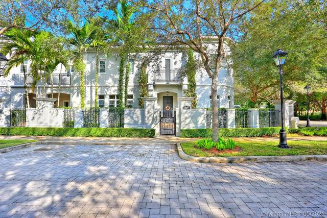 10195 SW 75th Pl #10195, Pinecrest, FL 33156 (MLS #A11040636) :: Berkshire Hathaway HomeServices EWM Realty