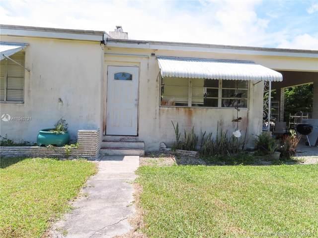17922 SW 175th St, Miami, FL 33187 (MLS #A11040731) :: Team Citron