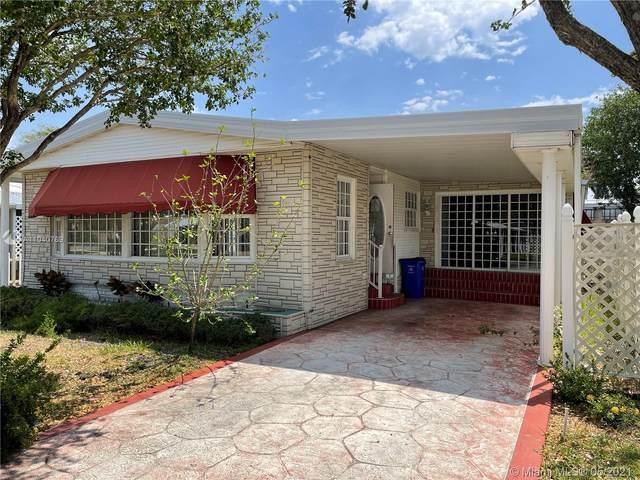 5302 NW 3rd Ave, Deerfield Beach, FL 33064 (MLS #A11040769) :: Berkshire Hathaway HomeServices EWM Realty