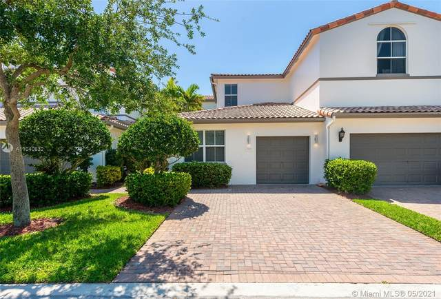 826 E Spinnaker Dr E, Hollywood, FL 33019 (MLS #A11040832) :: The Rose Harris Group