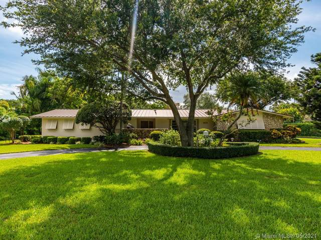 11420 SW 80th Rd, Pinecrest, FL 33156 (MLS #A11040873) :: The Riley Smith Group