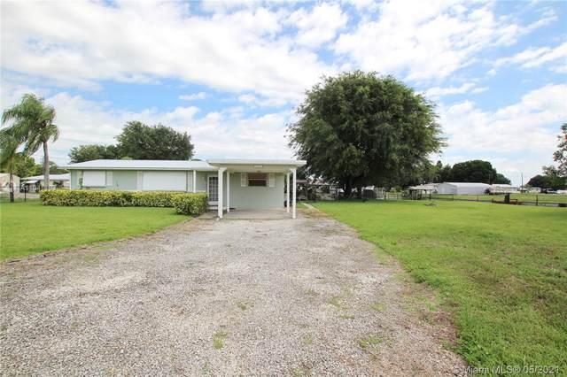 1033 Oak Street, Bulkhead Ridge, FL 34974 (MLS #A11041103) :: Team Citron