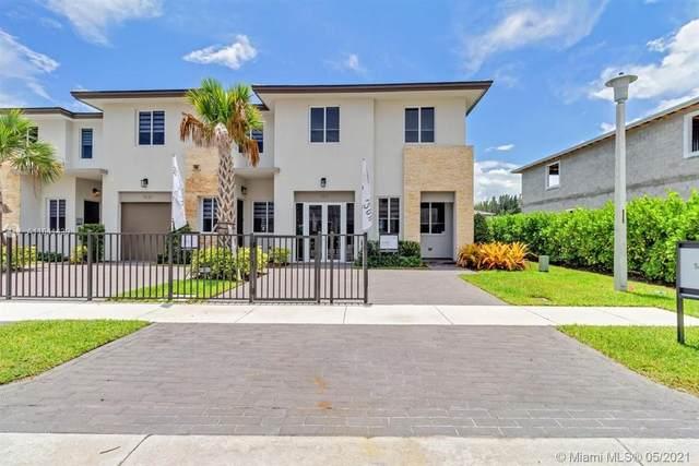 1611 Pioneer Way, Royal Palm Beach, FL 33411 (MLS #A11041439) :: The Rose Harris Group