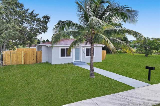 11560 SW 214th St, Miami, FL 33189 (MLS #A11042006) :: Team Citron