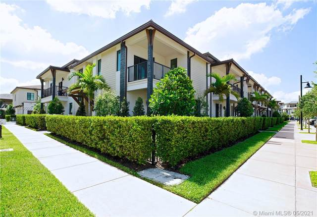 4967 NW 84th Ave #4967, Doral, FL 33166 (MLS #A11042009) :: Miami Villa Group