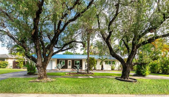 1031 Redbird Ave, Miami Springs, FL 33166 (MLS #A11042015) :: Douglas Elliman