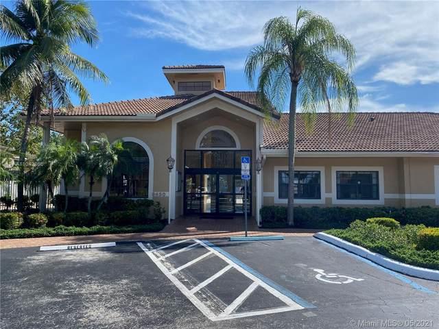 450 W Palm Cir W #301, Pembroke Pines, FL 33025 (MLS #A11042066) :: Douglas Elliman