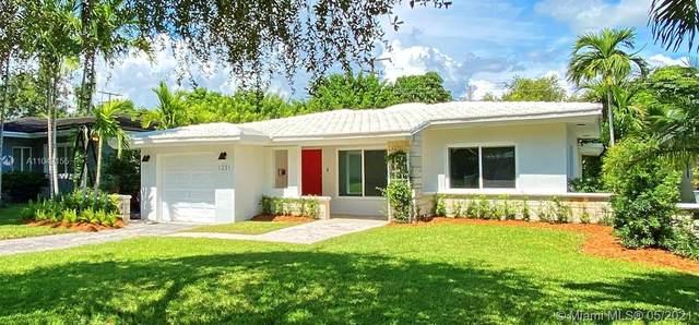1231 S Algardi Ave, Coral Gables, FL 33146 (MLS #A11042155) :: Team Citron