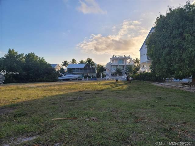 107 W Plaza Del Lago, Islamorada, FL 33036 (MLS #A11042300) :: Team Citron