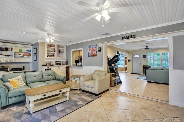 2200 N 46th Ave, Hollywood, FL 33021 (MLS #A11042528) :: The Rose Harris Group